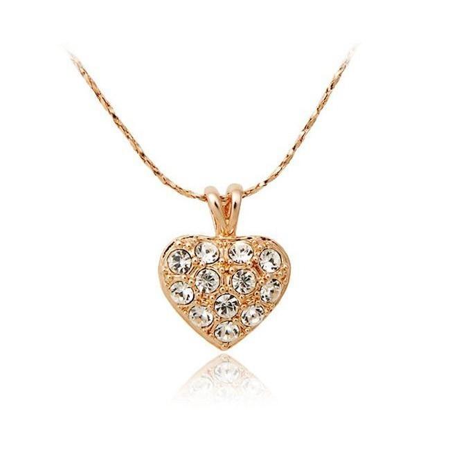 Кулон «Сердце с кристаллами» на цепочкеЦепочки и кулоны<br>Хотите порадовать свою возлюбленную и проявить всю свою любовь? Вам поможет стильный и нежный кулон «Сердце с кристаллами» на цепочке. Аккуратное изделие будет постоянно напоминать девушке о вас, а цена не может не радовать в интернет магазине Мелеон!<br>