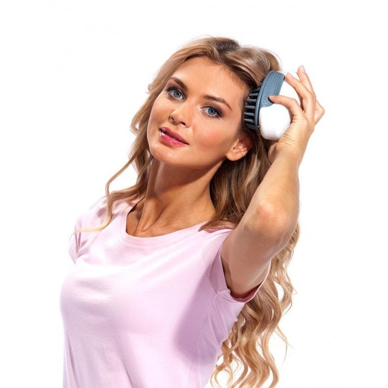Массажер для мытья головы - АктинияМассажные мочалки<br>А вы знаете, что простую процедуру мытья головы можно сделать более приятной и невероятно полезной? Революционный массажер для мытья головы – Актиния нежно удалит огрубевшую кожу, грамотно распределит шампунь или ополаскиватель по длине волос и подарит очень приятные эмоции!<br>