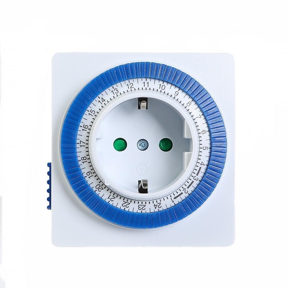 Розетка с таймером Smartbuy механическая, 3500 Вт, 96 вкл./выкл. сутки, интервал 15 мин.Переходники для ламп и розеток<br>Если вы хотите возвращаться домой и видеть подогретый ужин, например, в пароварке, то вам поможет механическая розетка с таймером Smartbuy. Это изделие позволит автоматизировать любые процессы в доме. Теперь вы можете смело включить нужное устройство и отправляться по своим делам, не думая о том, что прибор будет слишком долго включен в сеть.<br>