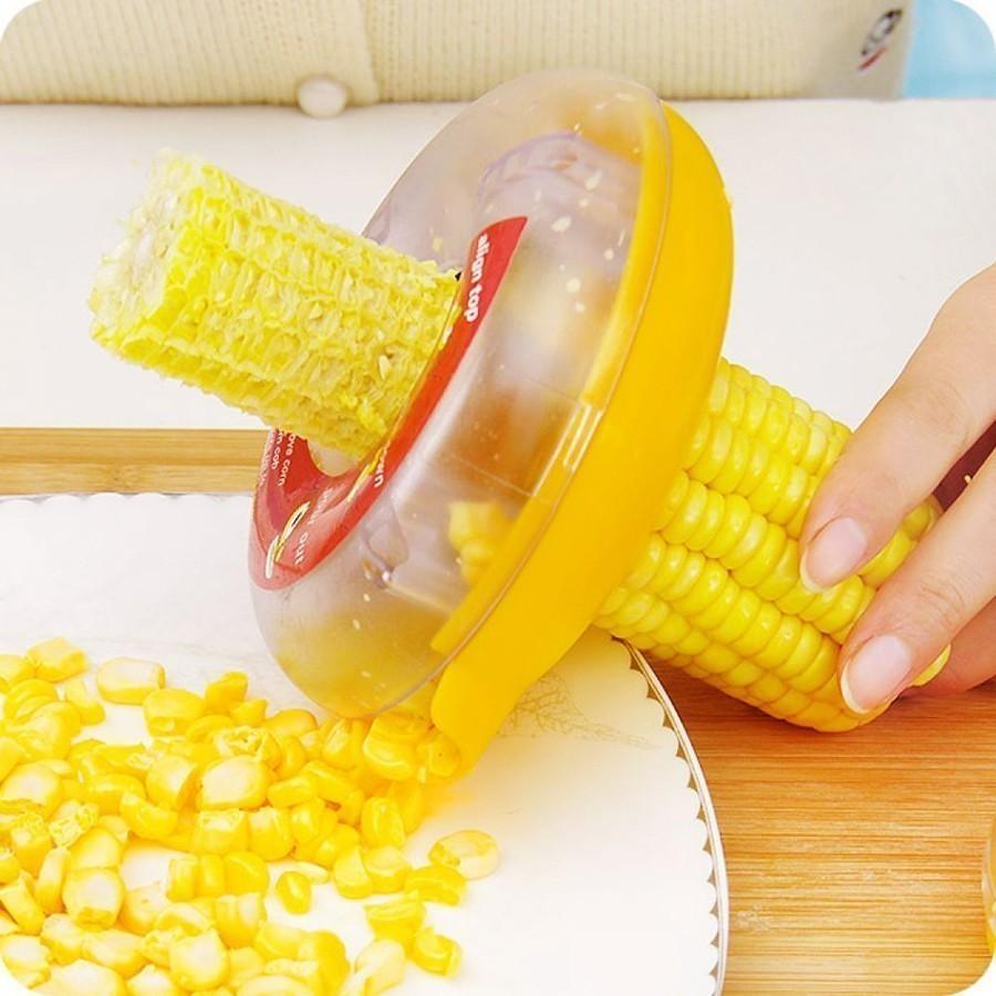 Прибор для очистки кукурузы Corn KernelerОстальные гаджеты<br>А вы знаете, что кукурузу можно с легкостью очистить? Если вы любите добавлять этот ингредиент в салаты, то совершенно необязательно постоянно покупать консервированный продукт. Благодаря инновационному прибору для очистки кукурузы Corn Kerneler, вы с легкостью справитесь  с задачей!<br>