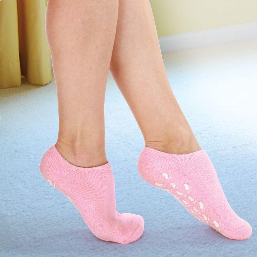 Гелевые носки - SPA для меняПедикюрные носочки<br>Подарите пяточкам настоящее наслаждение! Гелевые носочки со СПА-эффектом – это райское увлажнение и питание кожи стоп. Даже самые огрубевшие пятки превращаются в кожу младенца под воздействием натуральных масел в гелевой основе.<br>