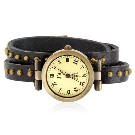 Часы браслет эко-кожа - 3 петли - Rivet, черныеМеханические часы<br>Часы под старину с нотками дикого Запада дополнят кэжуальный наряд женщины, ставя финальную точку. Часы-браслет из эко-кожи Rivet – это стильное самовыражение в повседневной одежде.