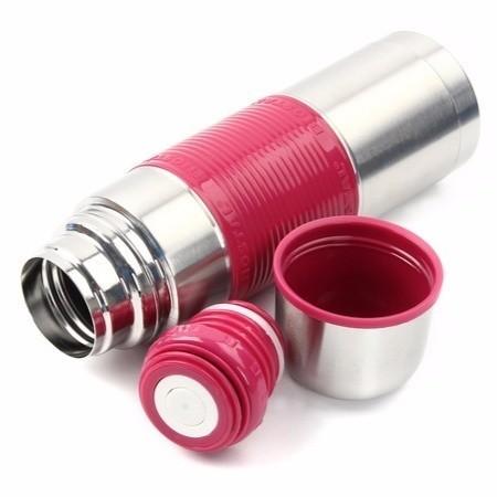 Термос с узкой горловиной, с цв. силик. встав., 0,75 л, ЗЕЛЕНЫЙТермосы<br>Термос Biostal FLЁR NB-500C-B объемом 0.75 л может похвастаться компактными размерами, благодаря которым вам не составит труда положить его в небольшую сумку, чтобы насладиться вкусом любимых напитков в любом месте.<br>