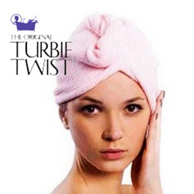 Шапочки-полотенце для сушки волос после душа Turbie Twist - 2 шт.Остальное<br>А как вы сушите голову после душа? Обладательницы длинных волос часто страдают из-за этой проблемы, поскольку моют голову перед выходом на улицу, а волосы попросту не успевают высохнуть. Результат – испорченное настроение, непривлекательный внешний вид, простуда. Хотите избавиться от подобных проблем? Конечно же, интернет магазин Мелеон не предлагает вам отрезать красоту, ведь вы можете просто всегда хранить в ванной шапочки-полотенце для сушки волос после душа Turbie Twist - 2 шт! Это – супервпитывающие полотенца, которые позаботятся о вашей прическе!<br>