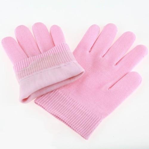 Гелевые перчатки - SPA для ваших рукМаникюрно-педикюрные наборы<br>Наверняка, вы знаете, что мытье посуды и другие повседневные дела негативно сказываются на коже рук. Если вы заметили, что кожа действительно начала стареть или появилась сухость, то не стоит покупать самый дорогостоящий крем, о котором вы слышали в рекламе. Вам помогут уникальные гелевые перчатки, которые заменят вам ряд СПА процедур в лучших салонах красоты!<br>
