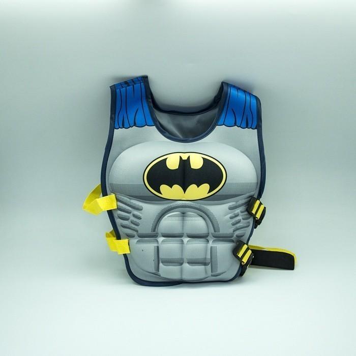 Плавательный жилет для ребенка - БэтменДля отдыха на воде<br>Плавательный жилет для ребенка «Бэтмен» подарит вашему малышу безопасность во время отдыха на море, а также уверенность тебе, ведь теперь он перевоплотиться в любимого персонажа!<br>
