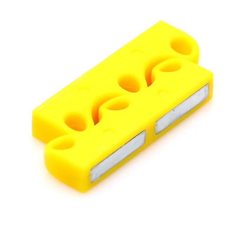 Магнитные застежки для шнурков, желтыйОстальные игрушки<br>Надоели вечно развязывающиеся шнурки на обуви? Часто сталкивается с коварными узлами, на которые приходится тратить драгоценное время и нервы? Забудьте об этом всем, благодаря революционным магнитным застежкам для шнурков.<br>