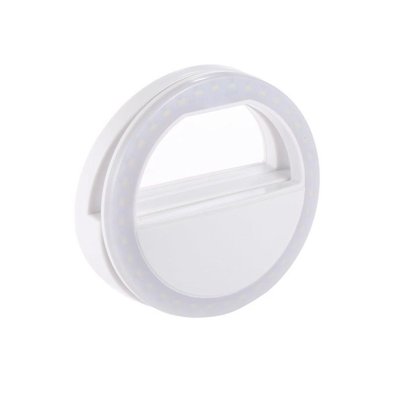 Селфи кольцо - Selfie Ring Light от USB, белоеВсе для селфи<br>Надоели некачественные селфи фото? Настоящего фотографа даже с простеньким смартфоном из вас сделает революционное селфи кольцо - Selfie Ring Light от USB, белое. Это – настоящая находка для любителей активного пользователя инстаграма или просто любителя хороших фотографий студийного качества.<br>