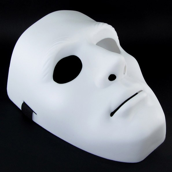 Маска Jabbawockeez белаяМаски<br>А знаете, какая маска сделает вас самой известной персоной на любой вечеринке? Конечно же, речь идет о белой Jabbawockeez, которая завоевала популярность благодаря уличным танцам в стиле Кабуки. Всемирно известный аксессуар вы можете.<br>