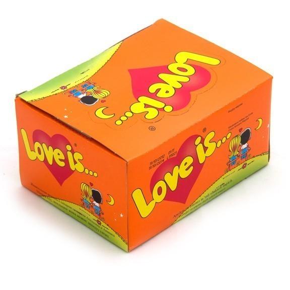 Жвачка Love is - апельсин-ананас (блок 100 шт)Жвачка из 90-х<br>Жвачка Love is… - это маленькое приключение в мир любви, дружбы, заботы и бесконечной нежности. В большом блоке жвачек вы найдете 100 разных комиксов о милых, романтичных ситуациях мальчика Роберто и девочки Ким. Love is апельсин-ананас – это нежный коктейль самых чувственных эмоций!<br>