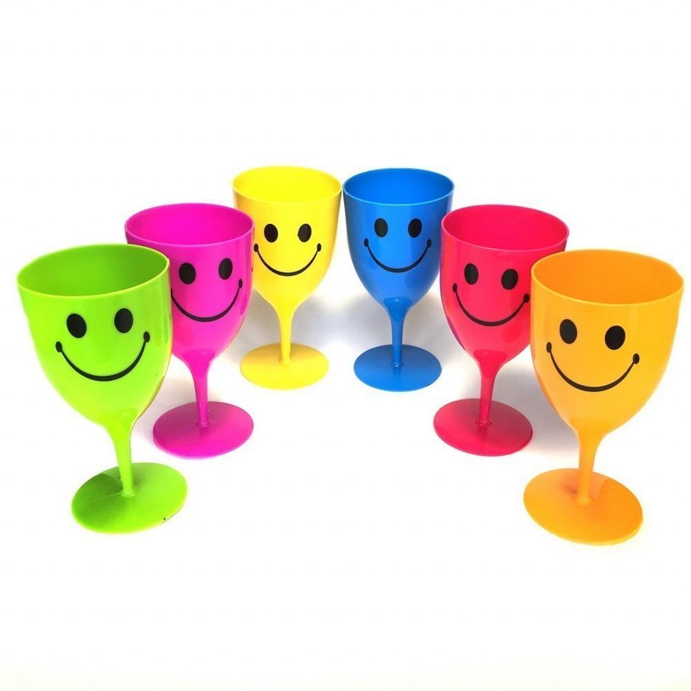 Набор пластиковых бокалов со смайликом, 6 штСервировка стола<br>Близится вечеринка? Если вы хотите, чтобы банкет выглядел особенно весело, а настроение у каждого гостя было хорошее, спешите купить по суперцене набор пластиковых бокалов со смайликом, 6 шт по суперцене в интернет магазине Мелеон!<br>