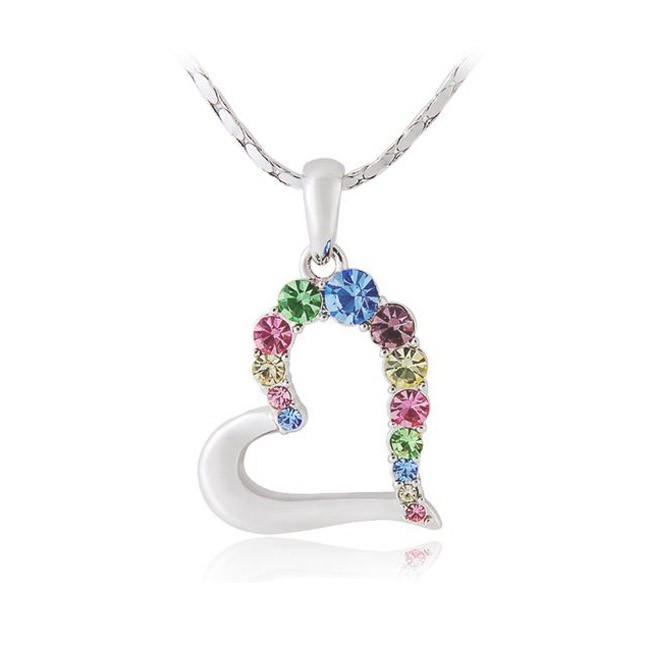 Кулон «Сердце в алмазах» на цепочкеЦепочки и кулоны<br>С этим кулоном Вы будете неотразимы! Изящная форма, цветные кристаллы, тонкая цепочка из прочных звеньев -  всё, что нужно чтобы подчеркнуть чувство стиля!