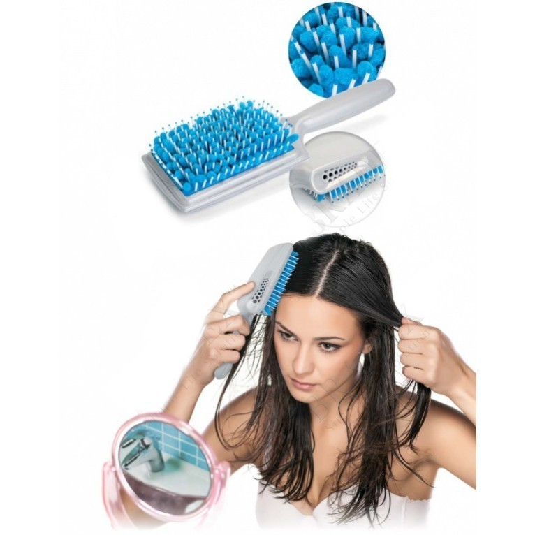 Щетка для сушки волос с микрофибройМассажные расчески<br>Ежедневно подвергаете свои волосы стрессам, высушивая их феном и выпрямляя плойкой? Если вы хотите быть обладательницей крепких и здоровых волос, а также не отказывать себе в любимых прическах, то спешите купить по суперцене революционную щетку для сушки волос с микрофиброй. Изделие максимально быстро высушит даже очень длинные волосы, а главное – обеспечит им крепкое здоровье и роскошный вид!<br>