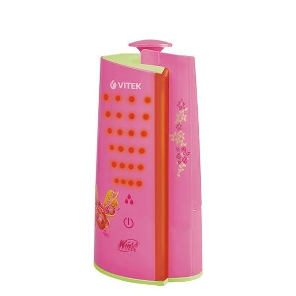 Увлажнитель Winx Flora 3101Увлажнители воздуха<br>Увлажнитель Winx Flora 3101 розового цвета насытит воздух в детской комнате влагой. Ваша дочь будет чувствовать себя комфортно, как днем, так и ночью. А волшебная трехуровневая подсветка станет настоящим сюрпризом для девочки.<br>