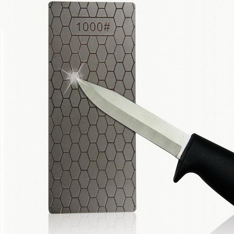 Плоский точильный камень для ножей Thin DiamondТочилки для ножей<br>Главная проблема  в приготовлении блюд – это тупые ножи? Вам надоело прикладывать усилия, чтобы «напилить» ингредиенты?  Спешите купить по доступной цене в интернет магазине Мелеон плоский точильный камень для ножей Thin Diamond! Брусок, состоящий из алмазной крошки, быстро справится с поставленной задачей!<br>