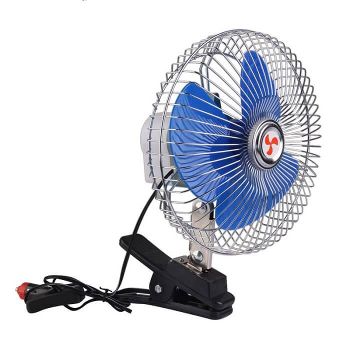 Вентилятор для автомобиля на прищепке с прикуривателемОстальное<br>Плохо переносите жару и не можете чувствовать себя летом за рулем в спокойствии? Совершенно не обязательно тратить деньги на дорогостоящий тюнинг, ведь вам поможет компактный, эффективный и недорогой вентилятор для автомобиля на прищепке с прикуривателем. Прибор подарит вам прохладу и максимум комфорта в дороге!<br>