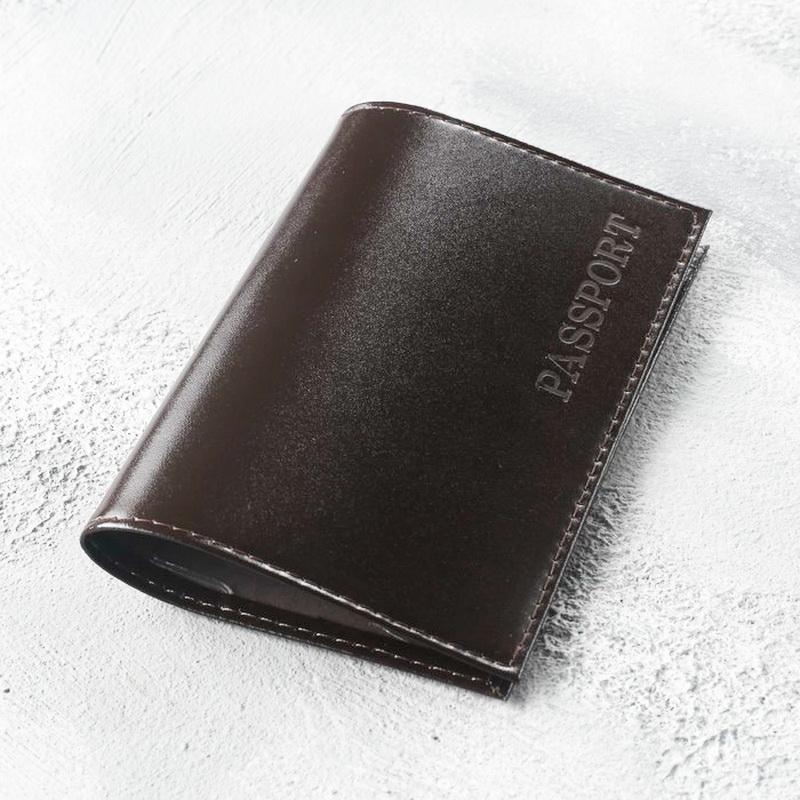 Обложка для паспорта, глянцевая, тиснение, коричневый