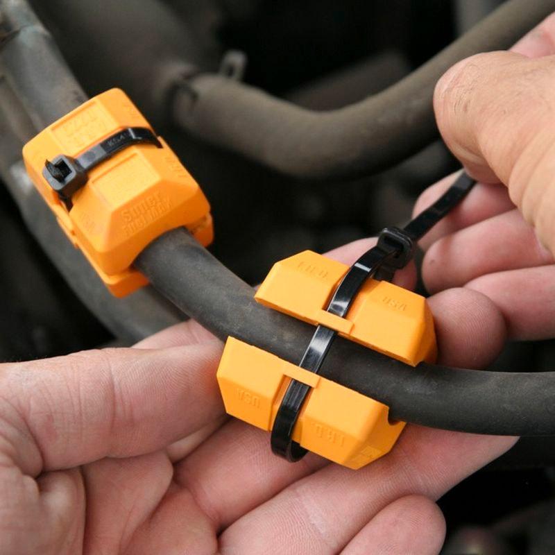 Магнитный экономитель топлива Fuel SaverОстальное<br>Как улучшить горение в двигателе и сэкономить собственные средства? Ответы на эти вопросы знает революционный магнитный экономитель топлива Fuel Saver!<br>