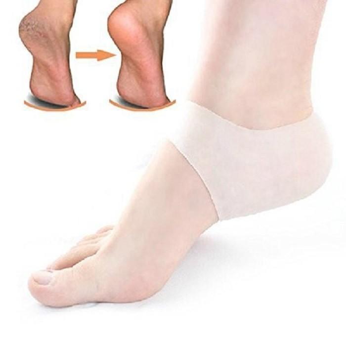 Силиконовый протектор для пяток - 2 штОтшелушиватели пяток<br>Защитим пяточки от натирания и трещин с помощью силиконового протектора! Предназначен для разнашивания новой обуви, защиты пяток от огрубения кожи и трещин. Используется как косметологические протекторы. В комплекте – 2 штуки.<br>