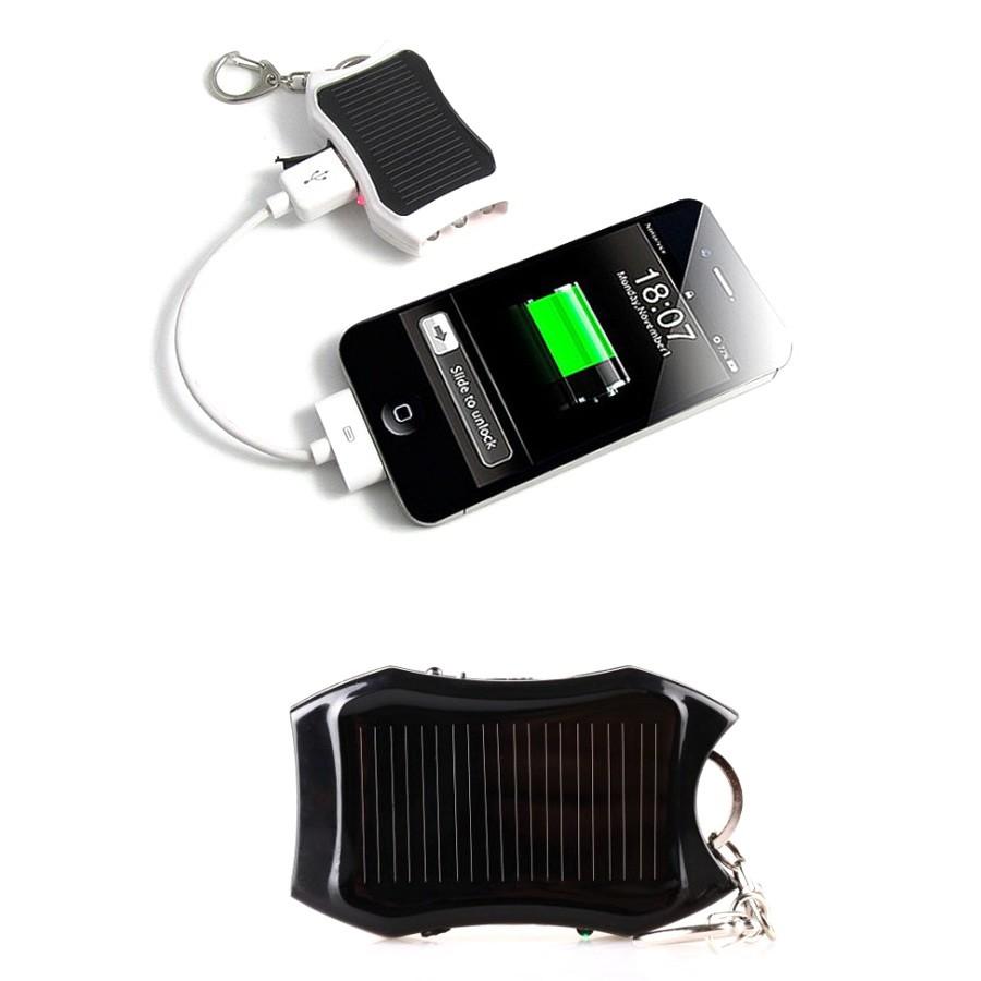 Брелок на солнечных батареях 2 в 1Ручные фонари<br>Если вы возвращаетесь домой в вечернее время суток, то знаете, как важно иметь при себе качественный фонарь и зарядку для телефона. Конечно, можно использовать телефон для подсветки дороги, но и он может в любой момент разрядиться. Фонарик, который заряжается от солнца или USB, пригодится вам как вечером после работы, так и дома или в походе!<br>
