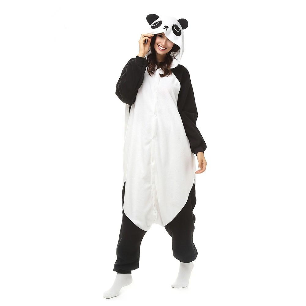 Пижама кигуруми Панда, взрослый, размер LТапочки и пижама<br>Не понимаете, как можно дома носить халат? Ищете предметы гардероба, которые подарят вам максимальный тепло и комфорт, а также поднимут настроение даже в самый напряженный день? Вам пригодится пижама кигуруми «Панда». Это – одежда для тех людей, которые любят всегда выглядеть ярко и чувствовать себя удобно!