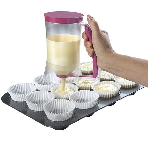 Дозатор для теста и наполнителей Batter DispenserФормы для тортов и кексов<br>Дозатор для теста – практичное приспособление для пекарей. Легкий вес посуды – всего 350 г, удобная ручка-дозатор. Используют, держа в одной руке. Градуированная тара.<br>