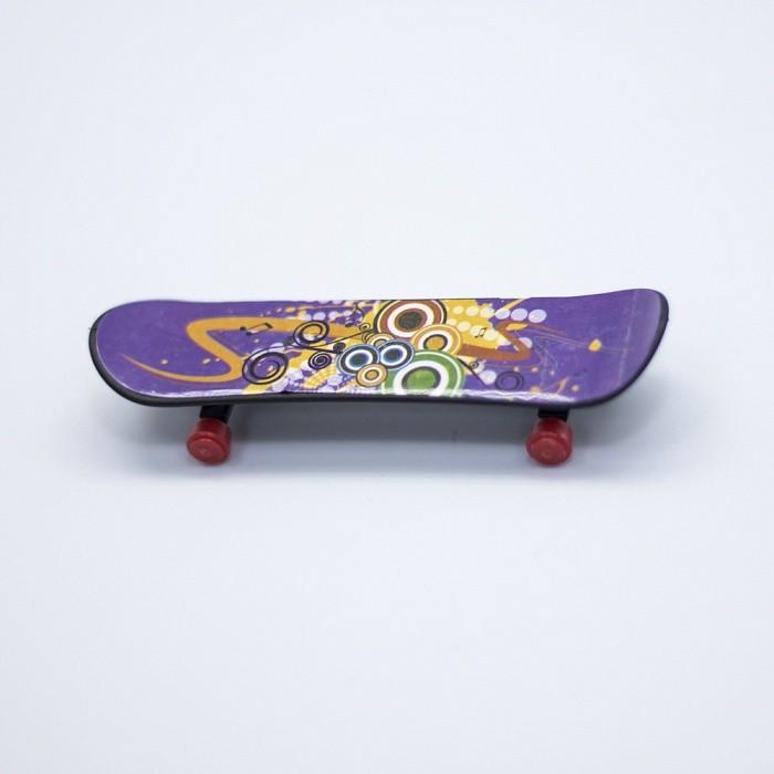 Фингерборд - скейтборд для пальцевИгрушки Антистресс<br>Любите активные виды спорта? Не знаете, чем заняться в плохую погоду? Скрасить одиночество и изучить множество фишек, которыми потом можно смело удивлять всех друзей, позволит фингерборд - скейтборд для пальцев!<br>
