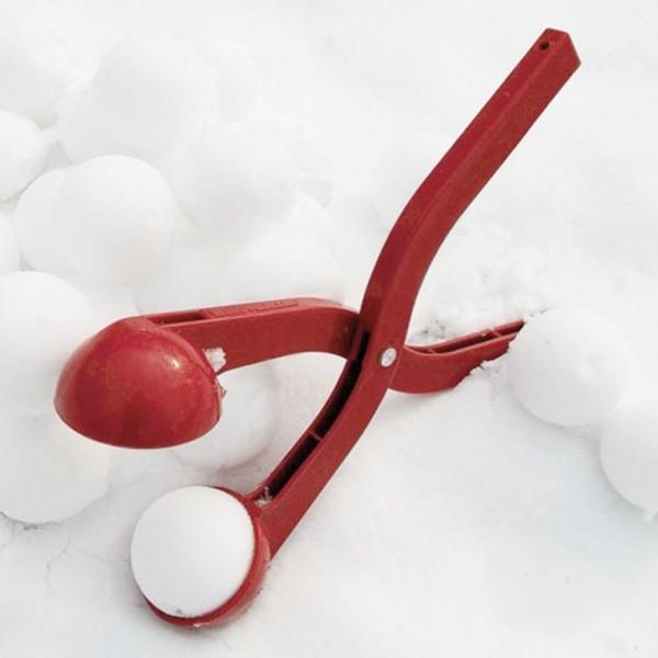 Снежколеп Snowball Maker - КрасныйПодвижные игры<br>В холодное время года ваш ребенок постоянно сидит дома? Пора срочно менять эту печальную традицию. Если малышу наскучили катание с горки, привычные игры в снежки или лепка снеговиков, то интернет магазин Мелеон знает, как разнообразить отдых на улице. Снежколеп Snowball Maker заставит вашего ребенка по-настоящему наслаждаться зимними играми!<br>
