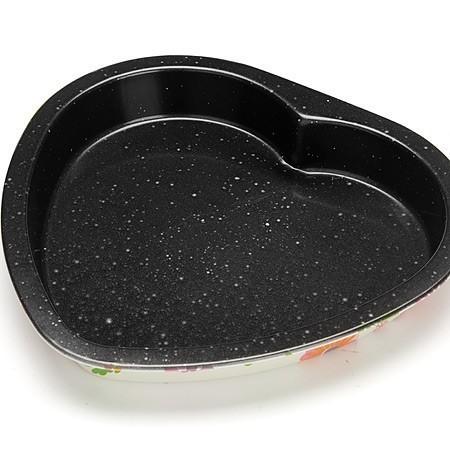 Форма для выпечки АП СЕРДЦЕ  MAYER&amp;BOCH MB-26192Формы для тортов и кексов<br>Форма для пирогов MAYER&amp;BOCH покрыта антипригарным покрытием, которое обеспечивает легкое снятие выпечки с формы. Толстые стенки изделия обеспечивают изделию долговечность.<br>