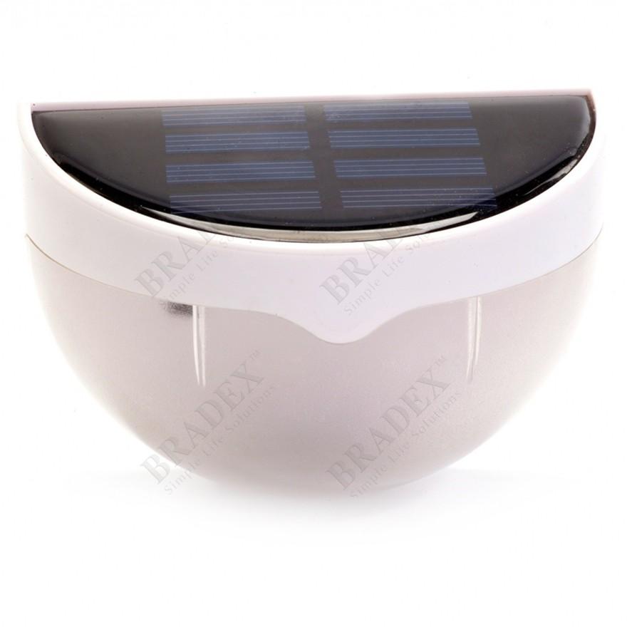 Светильник на солнечной батарее с датчиком св...