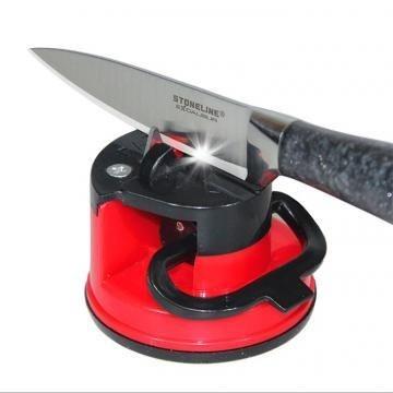 Вакуумная ножеточка (с вакуумным креплением)Точилки для ножей<br>Уникальная ножеточка с вакуумным креплением позволит Вам всегда поддерживать кухонные ножи в отличном состоянии.  Вакуумная присоска будет надёжно удерживать ножеточку на столе.<br>