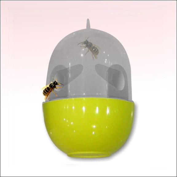Ловушка для ос и шершнейПротив насекомых<br>Ловушку для ос и шершней можно использовать не только на улице, но и в любых помещениях. А главное – изделие моментально будет привлекать коварных насекомых, потому вам бояться нечего!<br>
