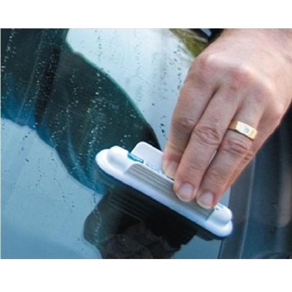 Антидождь для авто Aquapel Glass TreatmentАнтизапотеватели и антидождь<br>Чистые стекла в любую погоду! Дождь, снег, мошки – все буквально улетает с лобового стекла, не задерживаясь ни на секунду. Антидождь Aquapel – это мощная защита без воска от воды для нанесения в домашних условиях.<br>