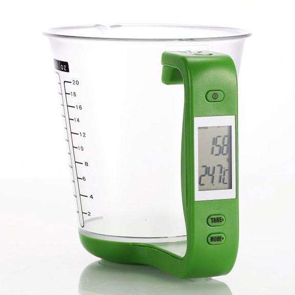 Мерный кувшин и весы - 2 в 1Кухонные весы<br>Следите за своей фигурой? Тогда на вашей кухне просто обязаны стоять качественные и надежные весы и мерный стакан. Совершенно не обязательно приобретать 2 отдельных изделия, ведь Предлагаем вам грамотное сочетание необходимых функций за весьма приемлемую цену. Мерный кувшин и весы – 2 в 1 позволят вам приготовить любое блюдо и контролировать свой режим питания!<br>