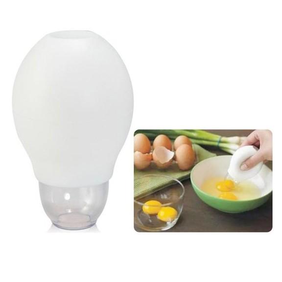 Отделитель яичных желтков одним нажатиемДля куринных яиц<br>Работать с ним довольно просто: нужно разбить яйцо в тарелку и направить отделитель на желток, затем нажать и опустить. Желток засосёт в силиконовый контейнер, откуда его можно легко изъять с помощью простого нажатия пальцами руки. Изделие можно мыть в посудомоечной машине.<br>