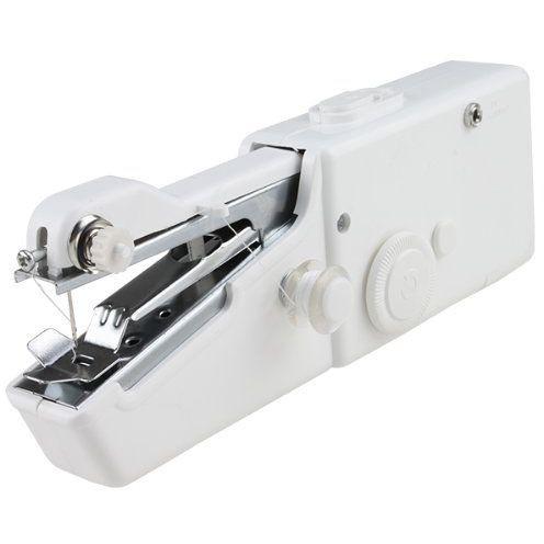 Ручная швейная машинка Handy StitchШвейные машинки и наборы для шитья<br>Процесс шитья всегда вызывал у вас ужас и раздражение? Не умеете ремонтировать даже самые простые поломки в элементах гардероба? Скорее всего вас просто всегда пугали громоздкие швейные машинки, которые необходимо слишком долго изучать. Хотите научиться получать удовольствие от процесса и всегда выглядеть великолепно? Вам поможет революционная ручная швейная машинка Handy Stitch!<br>
