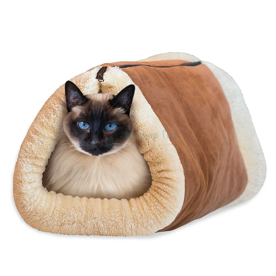 Домик-Лежанка для собак и кошек Kitty ShackОстальное<br>Если ваш питомец никак не может найти себе место в квартире с наступлением холодов, Можно вам помочь. Побалуйте своего четвероногого друга мягким и уютным домиком. А главное – вы навсегда забудете о коварной уборке шерсти с обивки мебели или ковра. Теперь животное будет наслаждаться отдыхом на своем уютном личном месте!<br>