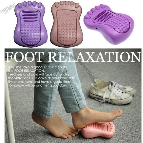 Массажер для ног Foot CosyМассажеры для ступней<br>Усталость ног после тяжелого рабочего дня теперь можно легко устранить. А главное - вы не будете тратить большие деньги на обращение к специалистам или покупать всевозможные баночки в аптеке. Вы будете наслаждаться массажем, укреплять собственное здоровье и наслаждаться процессом!<br>
